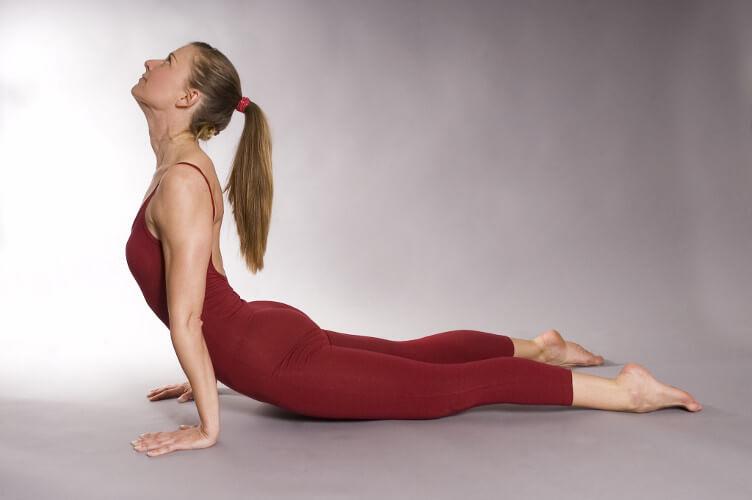 Personal-Yoga-Berlin_Annette Graff_Urdhva Mukha Svanasana