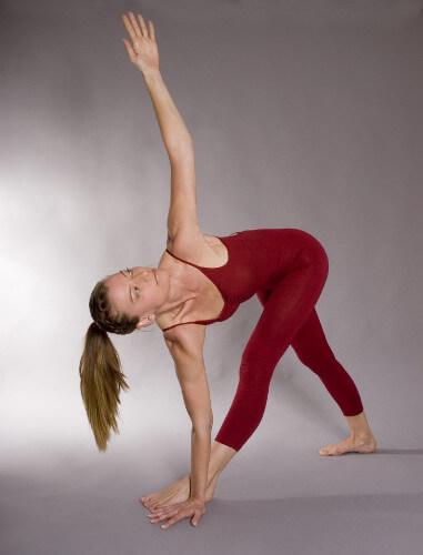 Personal-Yoga-Berlin_Annette Graff_Utthita Trikonasana
