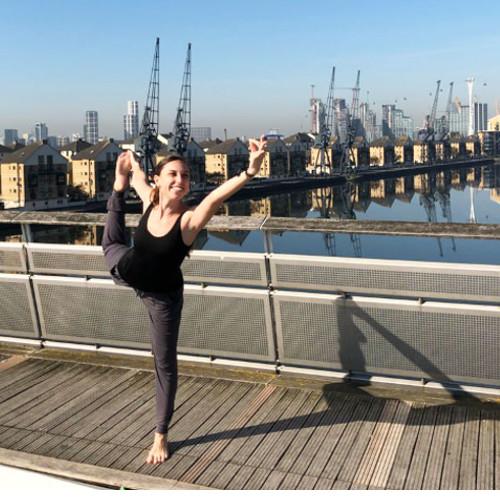 Personal-Yoga-Berlin_Team_Yamina V._Natarajasana